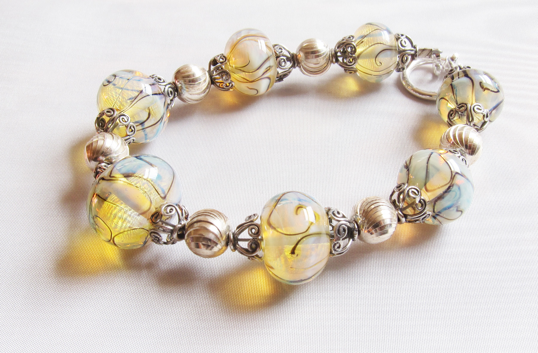 *NEW* Aura Light Swirly Bracelet