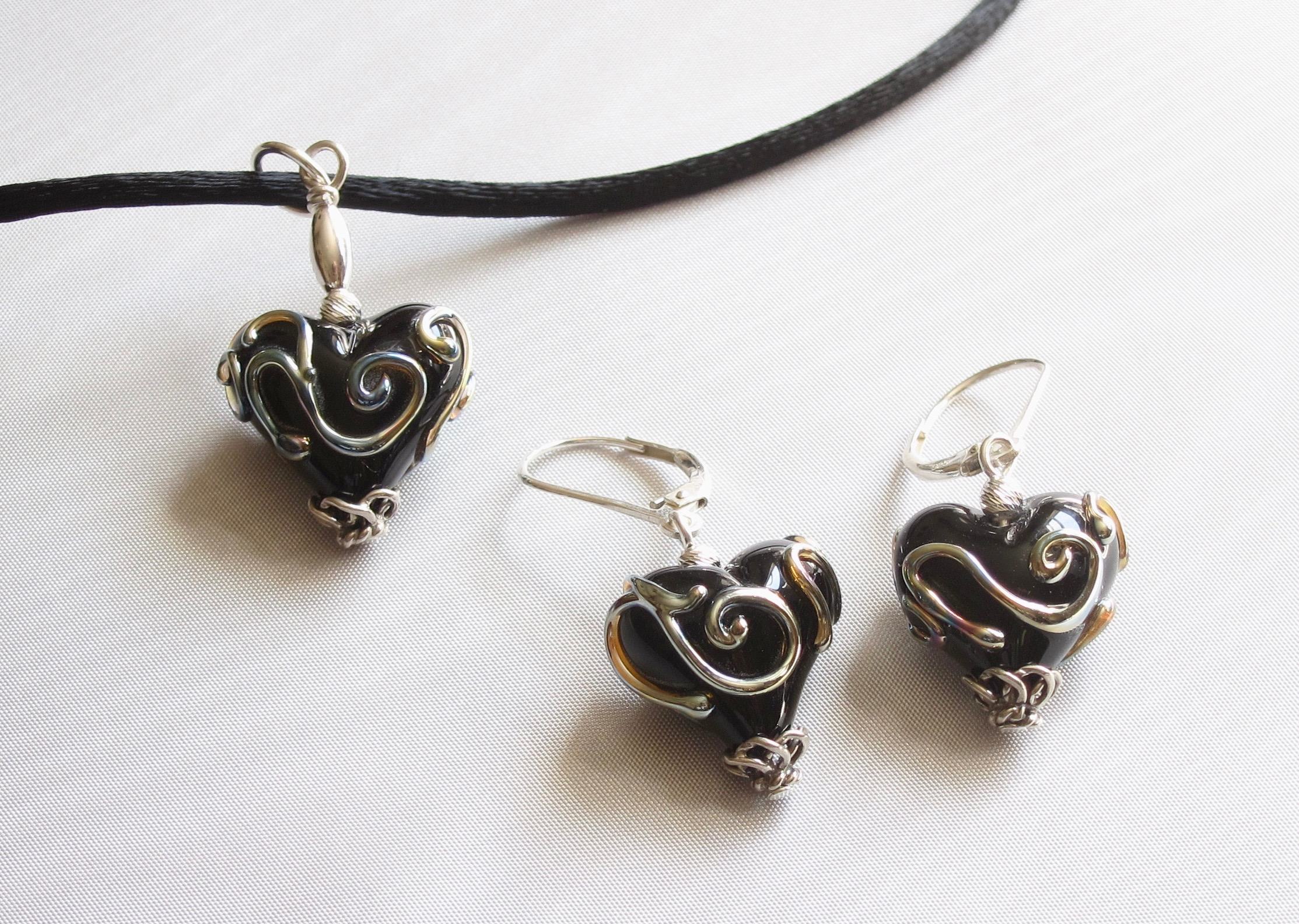 Metallic Swirl Black Heart Set